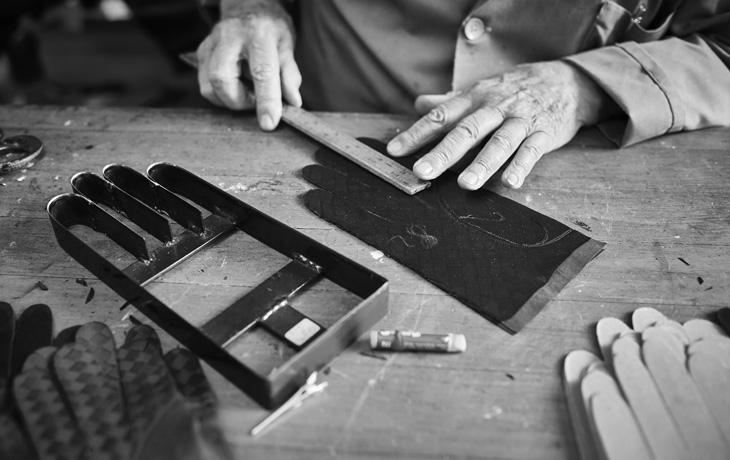 Naples: the history of handmade gloves